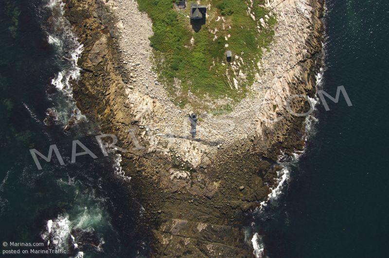 Straitsmouth Island