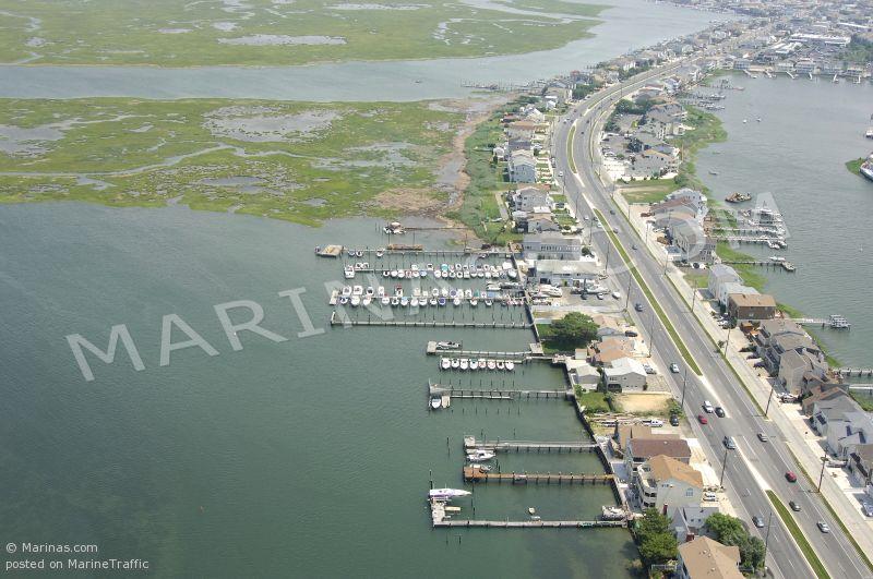 BOOt Island Bayside