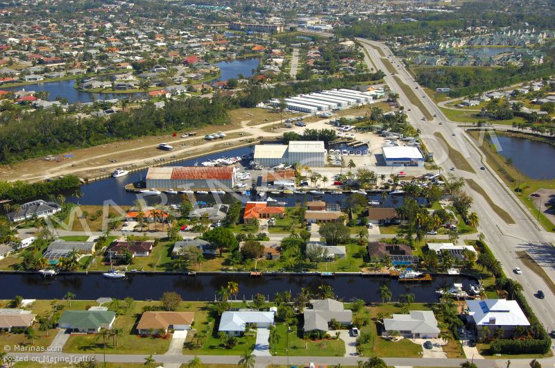 FORT MYERS BOAT CLUB