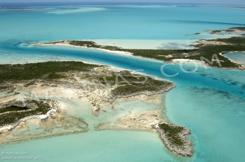 GOLD RING CAY
