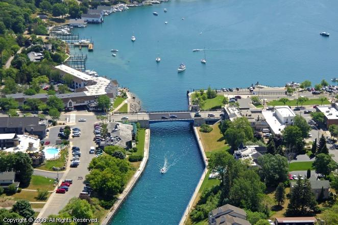 Marine City Mi Weather >> Charlevoix Lift Bridge, Charlevoix, Michigan, United States