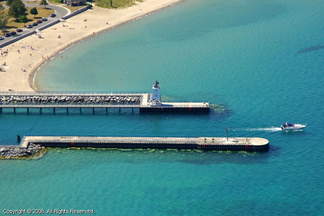 Charlevoix Pier Lighthouse