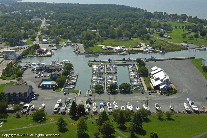 Knapp's Narrows Marina