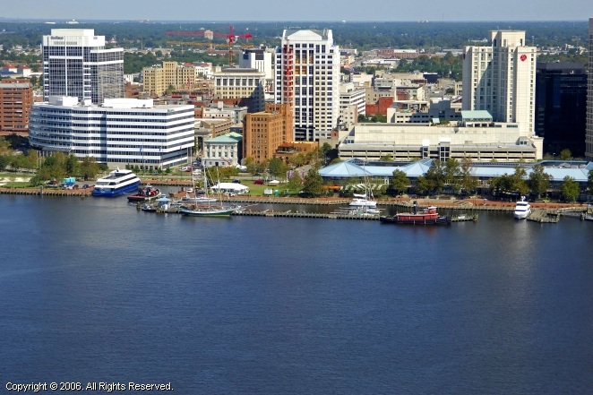 Norfolk (VA) United States  City pictures : Waterside Marina in Norfolk, Virginia, United States