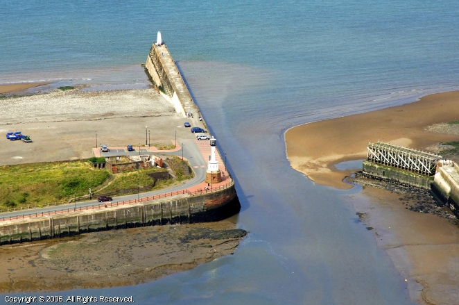 Maryport United Kingdom  City new picture : Maryport South Pier Light, Maryport, England, United Kingdom