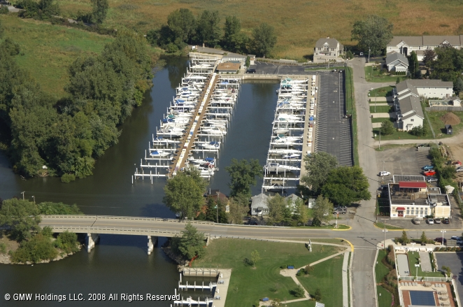 new buffalo harbor landing marina in new buffalo  michigan  united states