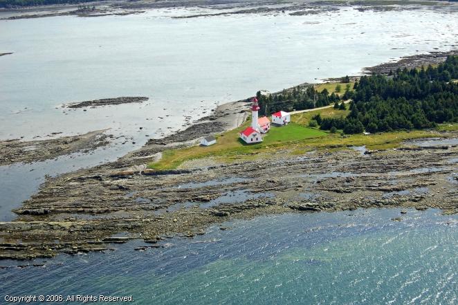 Metis sur mer lighthouse metis sur mer quebec canada for Motif sur mur