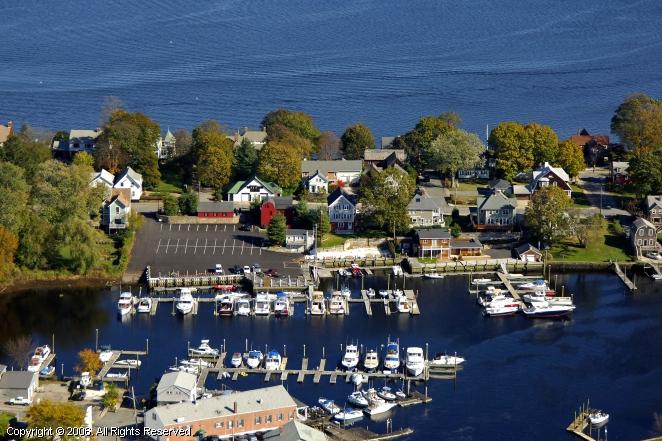 Cranston (RI) United States  city photo : Pawtuxet Cove Marina