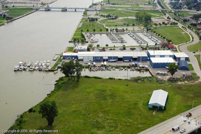 Bay City (MI) United States  city photos gallery : Pier 7 Marina in Bay City, Michigan, United States