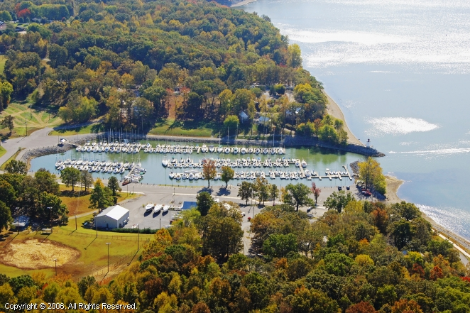 Grand Rivers (KY) United States  city pictures gallery : Lighthouse Landing Marina in Grand Rivers, Kentucky, United States