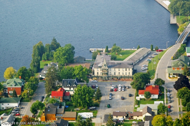 Gananoque (ON) Canada  city photo : Gananoque Inn in Gananoque, Ontario, Canada