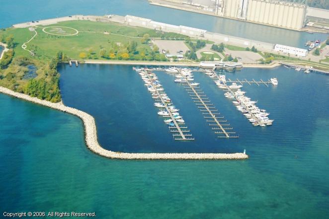 Sarnia (ON) Canada  City new picture : Sarnia Bay Marina in Sarnia, Ontario, Canada