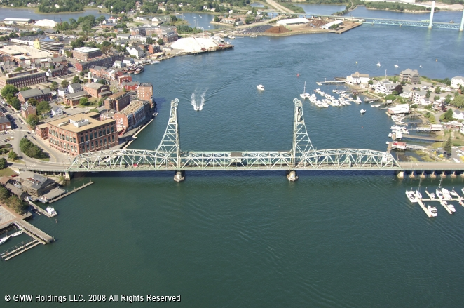 Portsmouth (NH) United States  city pictures gallery : Memorial Bridge, Portsmouth, New Hampshire, United States