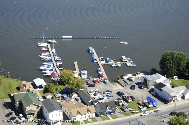 Hawkesbury (ON) Canada  city pictures gallery : Golden Anchor Marina in East Hawkesbury, Ontario, Canada