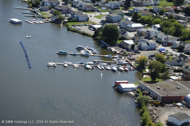 Hawkesbury (ON) Canada  City pictures : Golden Anchor Marina in East Hawkesbury, Ontario, Canada