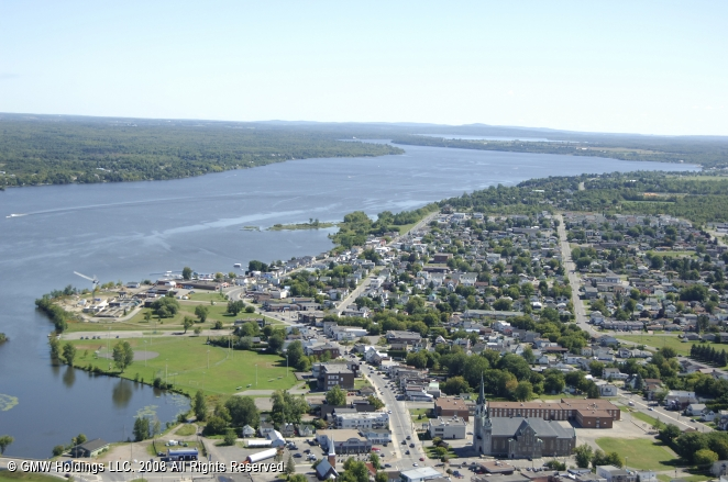 Hawkesbury (ON) Canada  city pictures gallery : Hawkesbury Harbour, Hawkesbury, Ontario, Canada