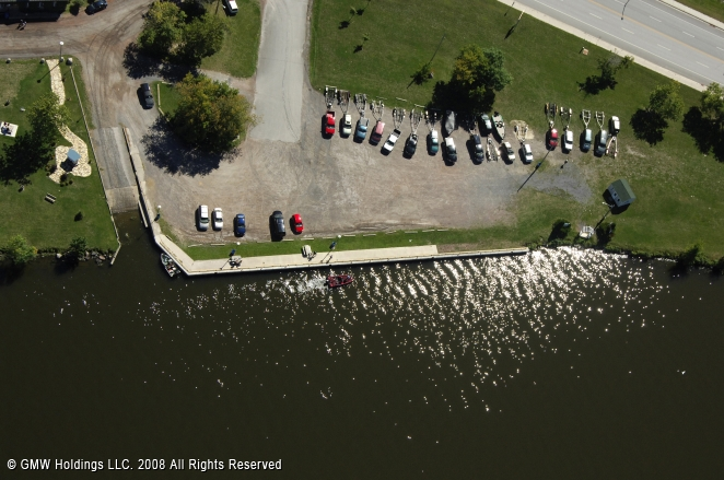 Hawkesbury (ON) Canada  city photos : Hawkesbury Public Dock in Hawkesbury, Ontario, Canada