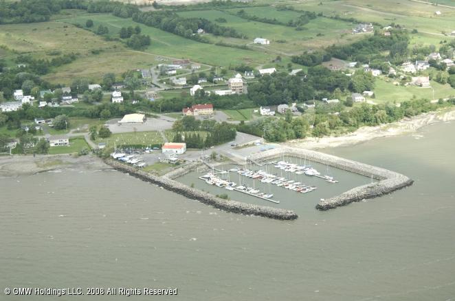 Pin club nautique vauquelin marina in neuville quebec for Club piscine quebec qc
