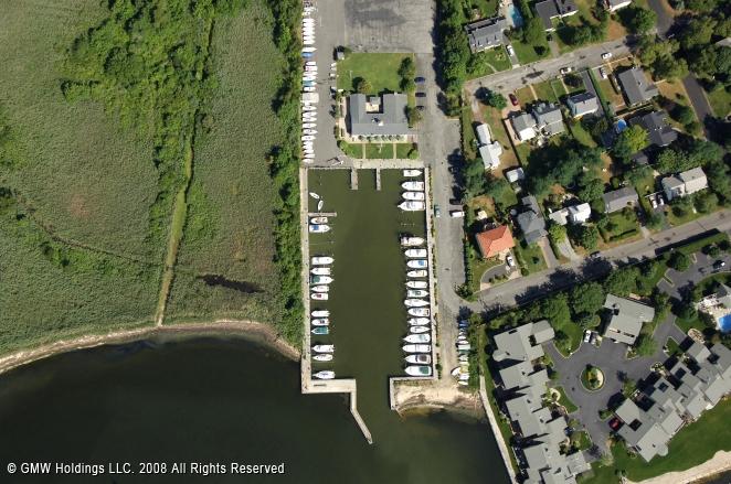Bay Shore (NY) United States  city photos : Bay Shore Yacht Club in Bay Shore, New York, United States