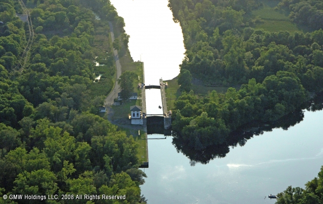 Canals In The United States : Erie canal lock herkimer new york united states
