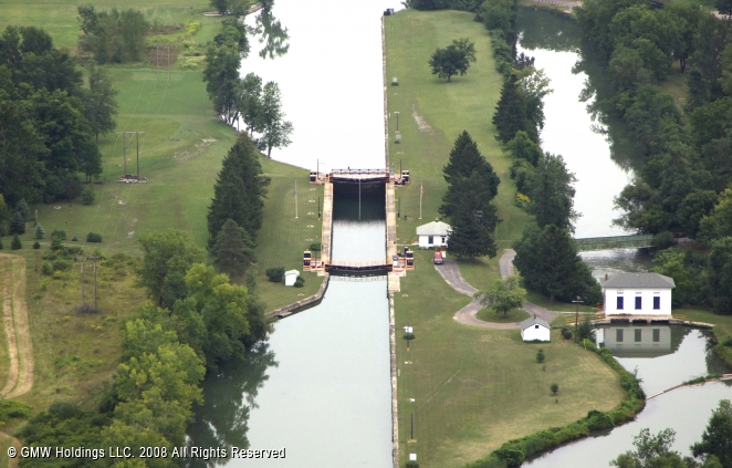 Canals In The United States : Erie canal lock palymyra new york united states