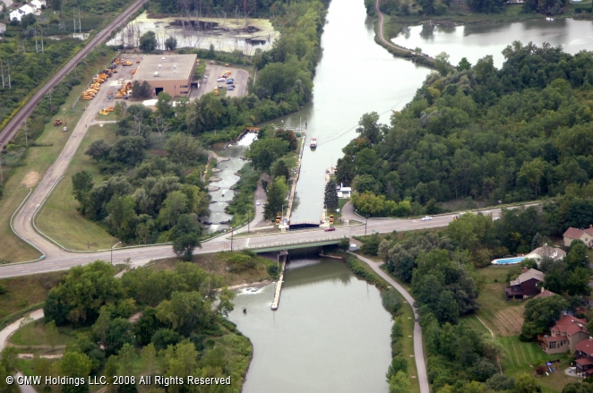 Canals In The United States : Erie canal lock pittsford new york united states