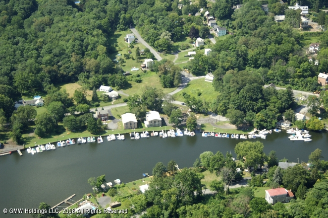 Saugerties (NY) United States  city photos gallery : Lynch's Marina in Saugerties, New York, United States