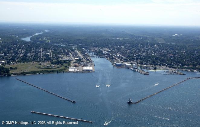 Oswego (NY) United States  city photos gallery : Oswego Harbor, Oswego, New York, United States