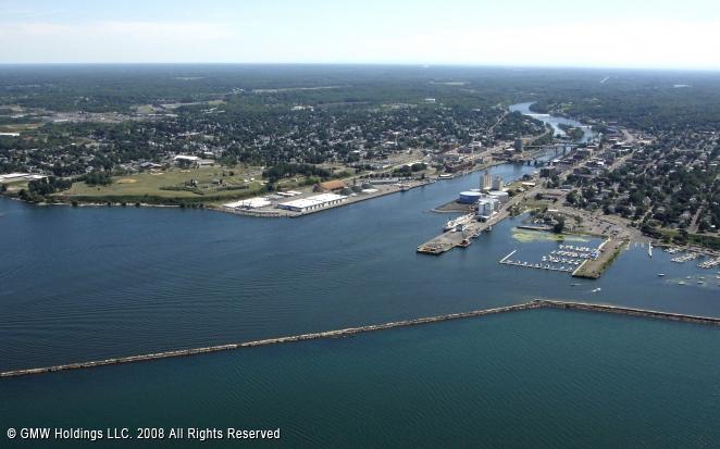 Oswego (NY) United States  City pictures : Oswego Harbor, Oswego, New York, United States