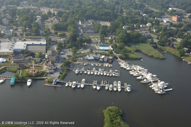 Riverhead (NY) United States  city pictures gallery : Treasure Cove Resort Marina in Riverhead, New York, United States
