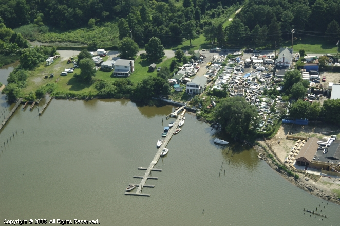 Super Fun Houseboat Rental - Draco in Baltimore