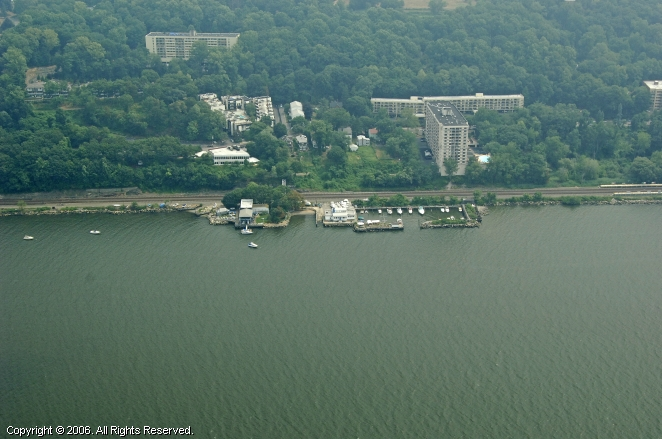 Yonkers (NY) United States  city photos gallery : Yonkers Yacht Club in Yonkers, New York, United States