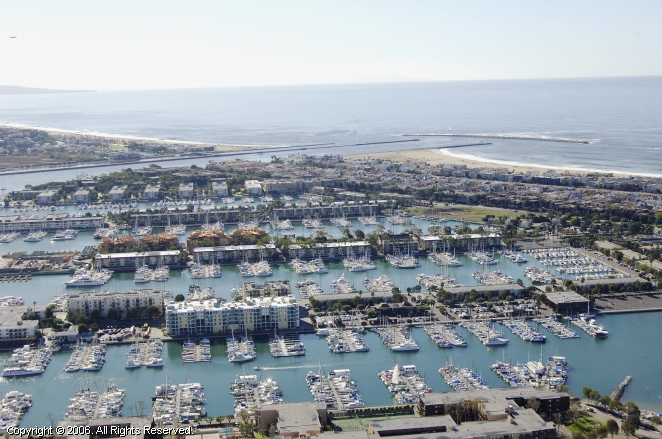 Bar harbor apts and marina in marina del rey california for Marina del rey apartments for sale
