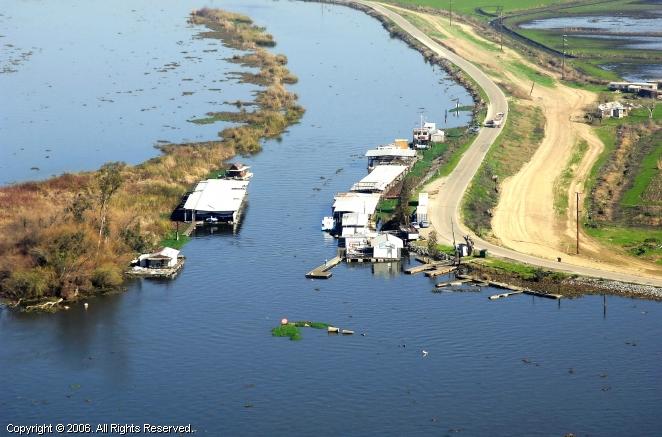 Bullfrog Landing & Marina