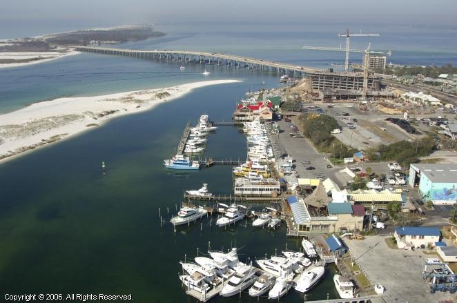 Destin (FL) United States  City new picture : HarborWalk Marina in Destin, Florida, United States