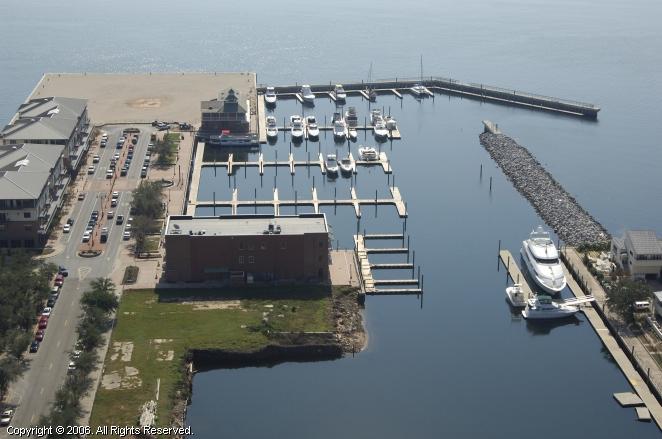 Palafox Pier & Yacht Harbour Marina in Pensacola, Florida ...