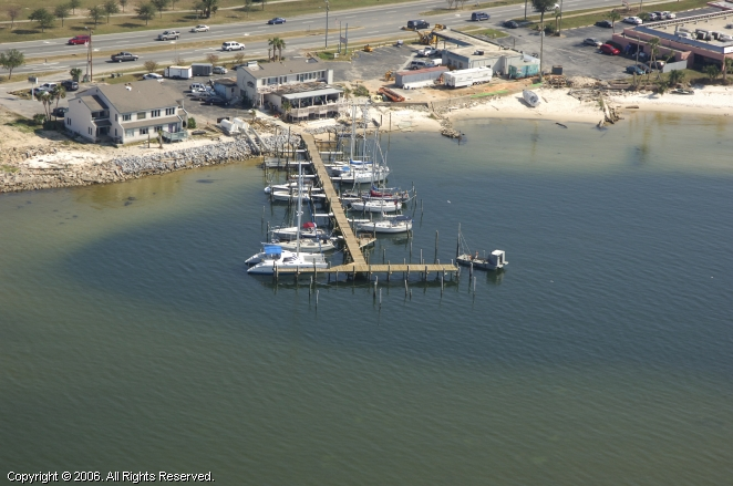 Gulf Breeze (FL) United States  city images : Pier 1 Marina in Gulf Breeze, Florida, United States