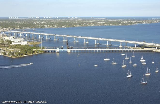 Stuart (FL) United States  city pictures gallery : Roosevelt Bascule Bridge, Stuart, Florida, United States