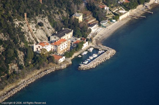 Aurisina Italy  city pictures gallery : Aurisina Marina in Friuli, Italy