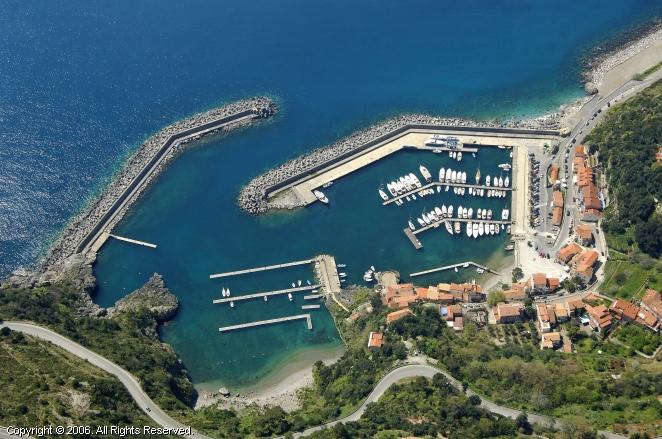 Maratea Italy  city pictures gallery : Maratea Marina in Calabria, Italy