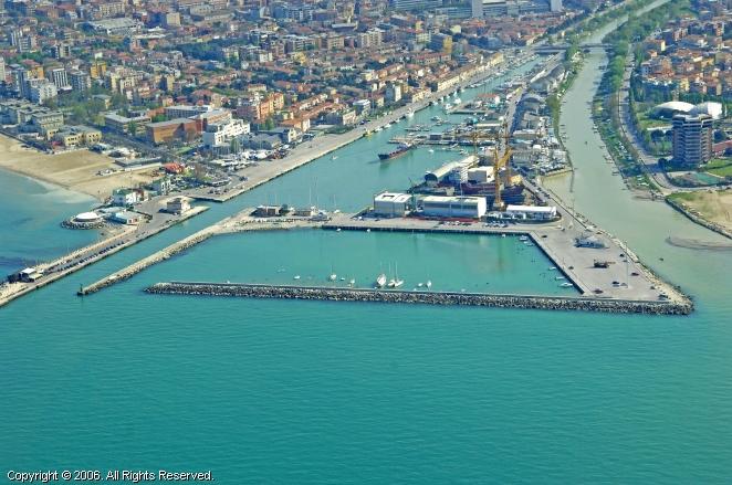 Pesaro Italy  city photos gallery : Pesaro Dock, Italy