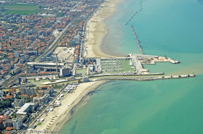 Senigallia Italy  city photos gallery : Senigallia Marina in Marche, Italy