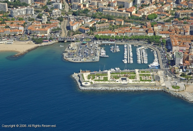 Vieux port st raphael france - Meteo marine port camargue saint raphael ...
