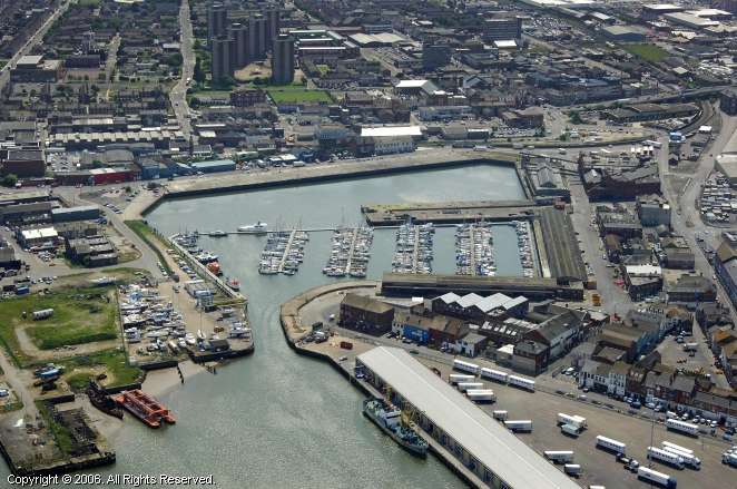 Meriden United Kingdom  city pictures gallery : Meridian Quay Marina in Grimsby, England, United Kingdom