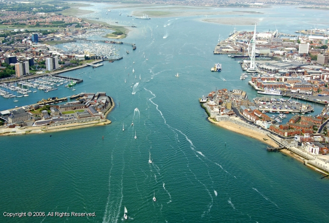 Portsmouth United Kingdom  City new picture : Portsmouth Harbour Inlet, Portsmouth, England, United Kingdom