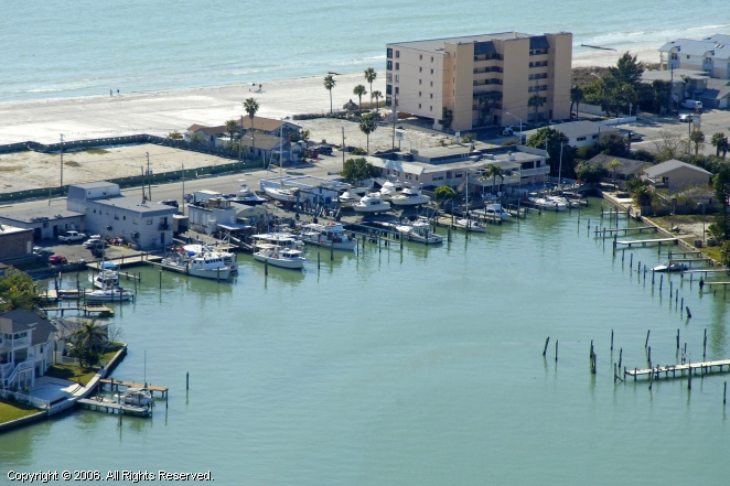 Madeira Beach (FL) United States  City pictures : Snug Harbor Inn & Marina in Madeira Beach, Florida, United States