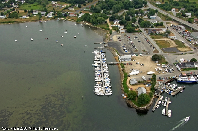Waterford (CT) United States  city photos : Waddy's Mago Point Marina in Waterford, Connecticut, United States
