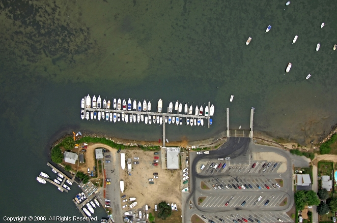 Waterford (CT) United States  city photo : Waddy's Mago Point Marina in Waterford, Connecticut, United States