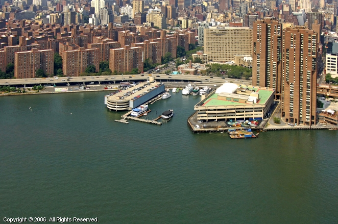 New York Skyport Marina
