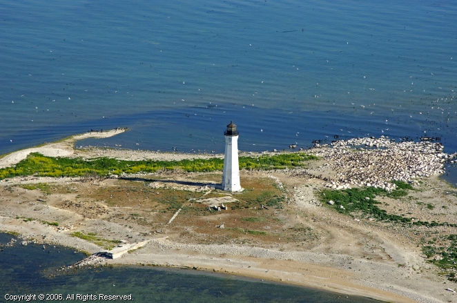 Ile Aux Galets Lighthouse